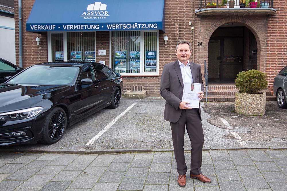 Immobilienmakler Düsseldorf ausgezeichnet, positive Bewertung, Beratung für Hausverkäufer, die ein Haus mit Mieter verkaufen wollen