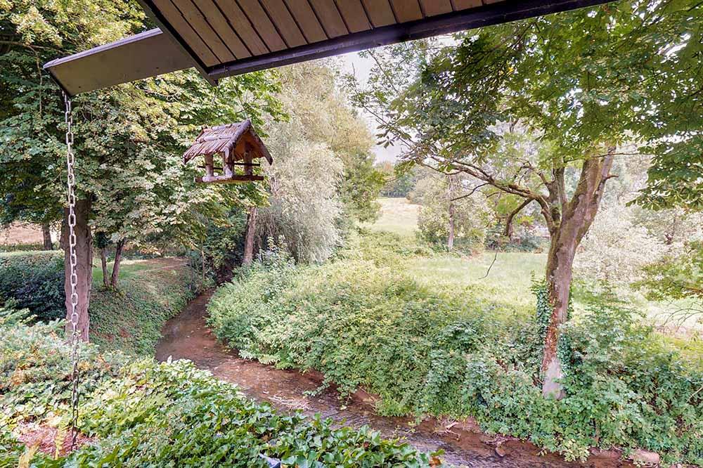 Haus zu verkaufen in Wittlaer, Düsseldorf, Schwarzbach, Villa mit Schwimmbad