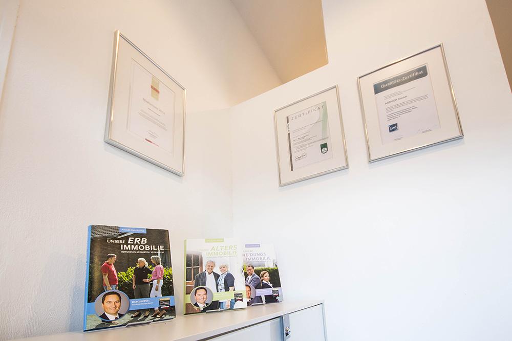 Immobilienmakler ist ein Problemlöser und Vermittler in schwierigen Verkaufsfällen, Häuser verkaufen, Wohnungen verkaufen in Düsseldorf